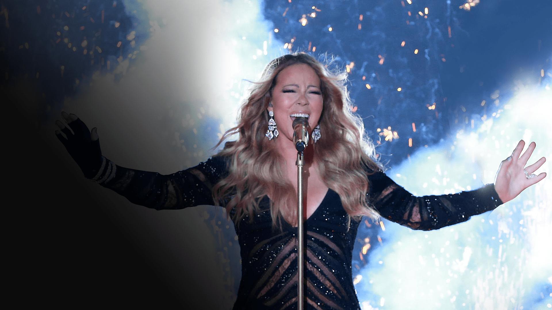 Mariah Carey Performs  At The World Music Awards