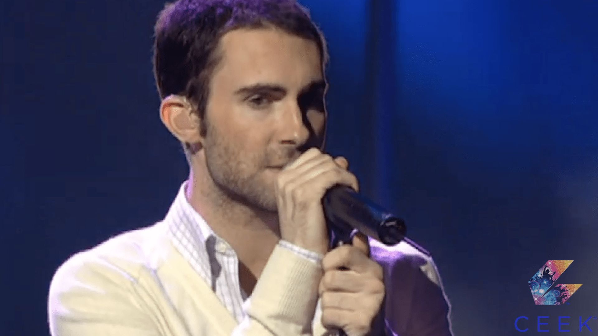 Maroon 5 Perform She Will Be Loved at the World Music Awards